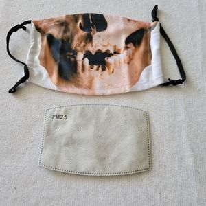 Last chance 2 piece Toothless skull mask & filter